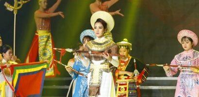 MC Anh Thi lên ngôi Quán quân 'Duyên dáng Bolero 2019'