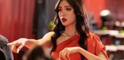 Minh Tú đồng hành cùng Mâu Thuỷ trong vai trò cố vấn tại 'Hoa hậu Hoàn vũ Việt Nam 2019'