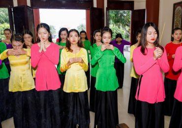 Top 30 'Người đẹp Xứ Dừa 2019' tặng quà cho mẹ Việt Nam anh hùng trước thềm Chung kết