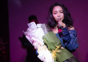 Khánh Loan gây ấn tượng trong đêm nhạc riêng