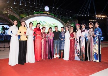 Sao Việt hai miền Nam – Bắc hội ngộ tại 'Lễ hội xứ dừa 2019'