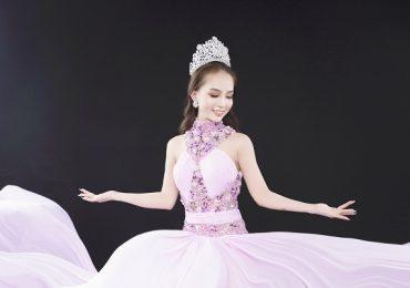Hoa hậu Trần Ngọc Hân khoe sắc vóc rạng rỡ
