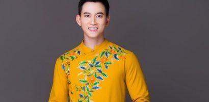 NTK Minh Châu đem họa tiết đám cưới chuột, tranh Đông Hồ lên áo dài Việt Nam