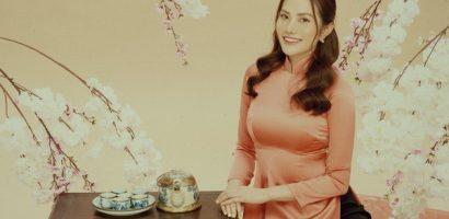 Hoa hậu Diệu Linh đẹp mong manh trong bộ ảnh áo dài truyền thống