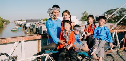 Gia đình Lý Hải – Minh Hà diện áo bà ba, chụp ảnh đón Tết phong cách miền Tây