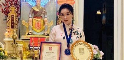 Báo quốc tế đưa tin Hồ Quỳnh Hương đạt kỷ lục thế giới