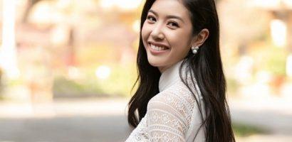 Diện áo dài trắng, Thúy Vân được khen đẹp như nữ sinh cấp 3