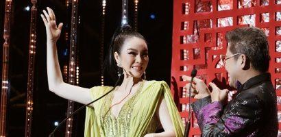 Lý Nhã Kỳ dẫn chương trình cùng MC Thanh Bạch
