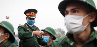 Lo ngại dịch virus corona, lễ giao quân tại TP.HCM chỉ kéo dài 25 phút