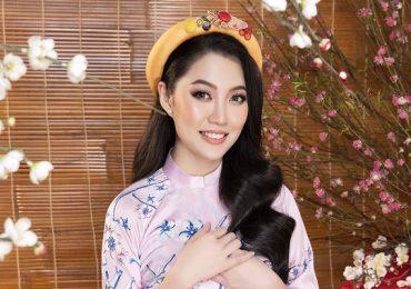 Hoa hậu Hoài Thu diện áo dài truyền thống đón năm mới