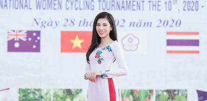 Dương Yến Nhung hào hứng cổ động các cua rơ nữ tại giải đua xe đạp quốc tế