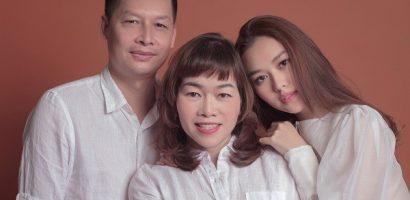 Bố phong độ, mẹ trẻ đẹp như này bảo sao nhan sắc của Tường San không hơn người?