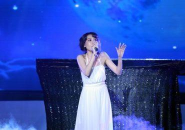 Hoa hậu Hoàng Kim bật khóc nói về khoảng thời gian bị rối loạn lưỡng cực, phải uống thuốc trị tâm thần