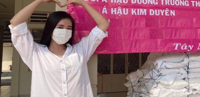 Á hậu Kim Duyên tiếp tục ủng hộ 1 tấn gạo cho người khiếm thị ở Tây Ninh