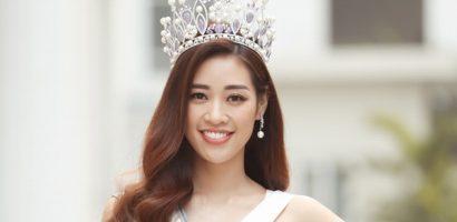 Hoa hậu Khánh Vân trao 200 phần quà cho người dân Tp.HCM