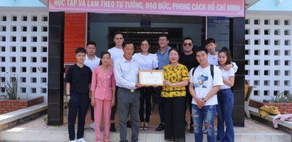 Ca sĩ Bằng Kiều quyên góp 300 triệu giúp bà con miền Tây chống hạn mặn