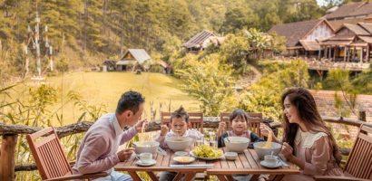 Lý Hải Minh Hà chụp ảnh kỷ niệm 10 năm làm vợ chồng