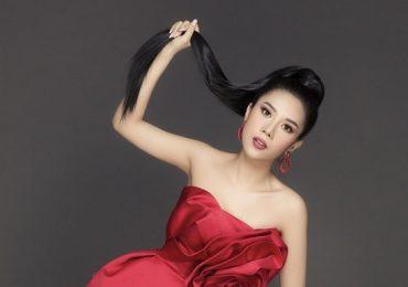 Dương Yến Nhung khoe vai trần quyến rũ