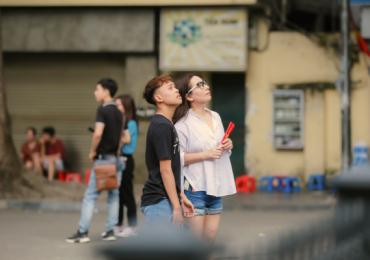 Hồ Văn Cường lớn phổng phao bên mẹ nuôi Phi Nhung