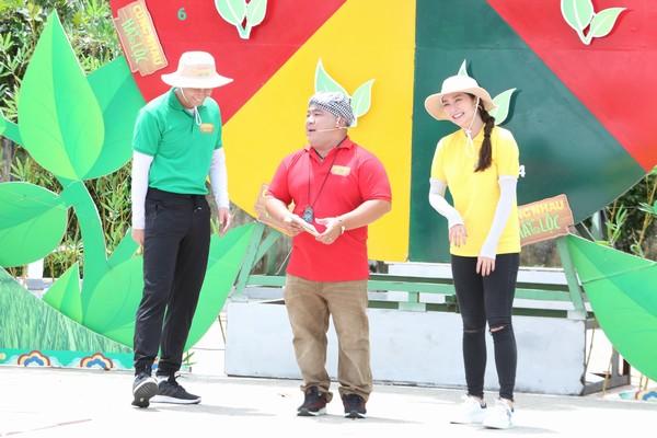 Diễn viên Thanh Trúc giúp bà con nông dân mang về giải thưởng lên tới 17 triệu đồng