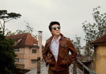 Đàm Vĩnh Hưng shopping đồ hiệu chuẩn bị gặp fans, tiết lộ tên dự án 'khủng'
