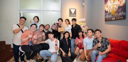 Đại Nghĩa, Thu Trang nhiệt tình ủng hộ showroom đã phỏng thủy Tinh Lâm của Huỳnh Lập