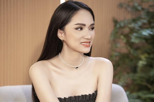 Hoa hậu Hương Giang: 'Chuyện tình cảm của một người chuyển giới áp lực kinh khủng'