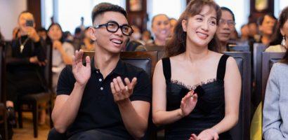 Khánh Thi rạng ngời, thân thiết không rời Phan Hiển tại sự kiện