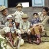 Vợ chồng Thành Đạt – Hải Băng cùng các con hóa nông dân