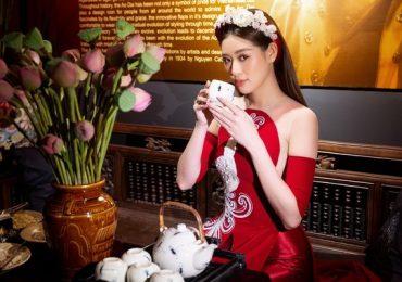 Hoa hậu Khánh Vân khoe dáng trong tà áo dài của NTK Minh Châu