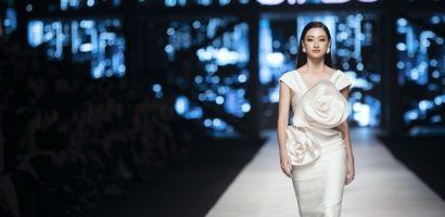 Thần thái đầy cuốn hút của Hoa hậu Lương Thuỳ Linh trên sàn catwalk