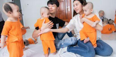 Á hậu Thuý Vân và chồng đi từ thiện mùa Trung thu