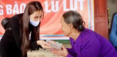 'Cô Tiên' trở lại sân khấu với vai trò ca sĩ trong sự kiện từ thiện 'Hướng về Miền Trung'