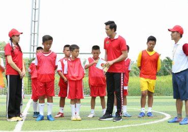 'Cầu thủ nhí 2020': HLV Nguyễn Hồng Sơn nổi giận, khiến học trò bật khóc
