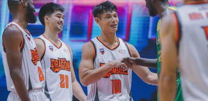 Cơ bắp vạm vỡ của VĐV bóng rổ Việt Nam cao 1,95 m