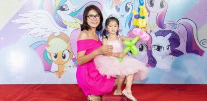 Trang Trần buồn vì sinh nhật con gái thiếu vắng chồng, em ruột