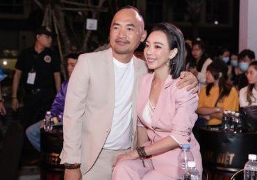 Khán giả vây kín Fan Meeting 'Chị Mười Ba 2', Thu Trang trổ tài đọc Rap