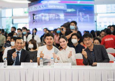 Trương Tri Trúc Diễm diện áo dài trắng, gây thương nhớ trong sự kiện tại Hà Nội