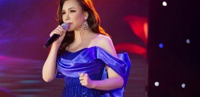 Hồ Quỳnh Hương thăng hoa trên sân khấu