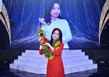 Nữ sinh 2k2 đăng quang 'Én vàng học đường 2020'