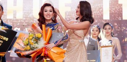 Á hậu Kim Duyên trao vương miện cho tân Hoa khôi sinh viên