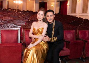 Diễn viên Thiên Bảo tình tứ với vợ trẻ trên thảm đỏ