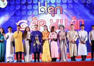 Gần 50 người dẫn chương trình hội tụ trong chương trình 'MC show Hẹn gặp Xuân'