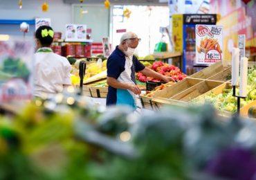 Siêu thị và trung tâm thương mại vắng vẻ ngày mùng 2 Tết ở TP.HCM