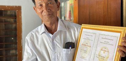 Lão nông 74 tuổi quyết lấy bằng tiến sĩ