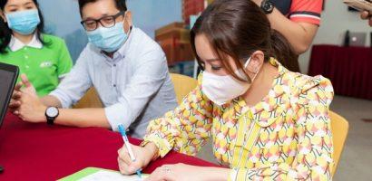 Hoa hậu Thu Hoài ủng hộ 200 triệu đồng mua vaccine ngừa Covid-19