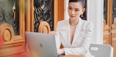 Ca sĩ Thu Thủy ghi điểm với phong cách 'nữ tổng tài'