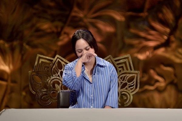 Diễn viên hài Ngọc Phước bật khóc khi nhắc về biến cố gia đình
