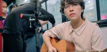 Kai Đinh gọi cho mẹ ngay trên 'Eye contact live', hát ca khúc xúc động về gia đình
