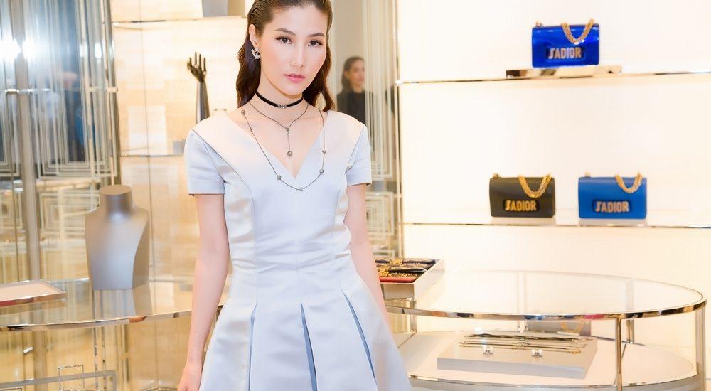 Diễm My 9x phối trang phục độc đáo, nổi bật tại dự sự kiện